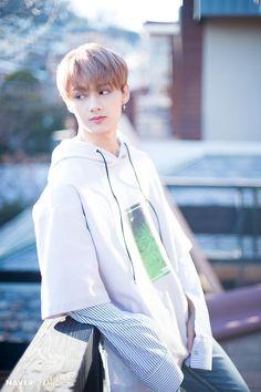 Listen to every Seventeen track @ Iomoio Woozi, Wonwoo, Jeonghan, The8, Seungkwan, Seventeen Funny, Seventeen Debut, Dino Seventeen, Hiphop