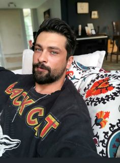 Turkish Men, Turkish Beauty, Turkish Actors, Moustache, Disney Cosplay, Hot Actors, Boy Hairstyles, Beard Styles, My King