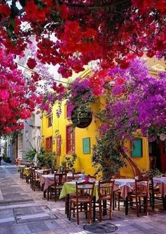 Beautiful Places To Travel, Wonderful Places, Beautiful World, Restaurant Design, Theme Nature, Greek Islands, Santorini, Places To Go, Travel Photography