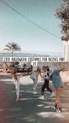Cute Group Halloween Costumes, Trendy Halloween, Cute Costumes, Halloween Outfits, 5 Person Halloween Costume, Bff Costume Ideas, Best Friends Whenever, Crazy Things To Do With Friends, Fun Sleepover Ideas