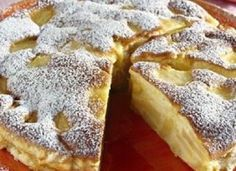 Plăcintă italiană cu mere. Nu ai mâncat niciodată ceva mai bun! No Cook Desserts, Holiday Desserts, Just Desserts, Romanian Desserts, Romanian Food, Dessert Bread, Food Cakes, Graham Crackers, I Foods