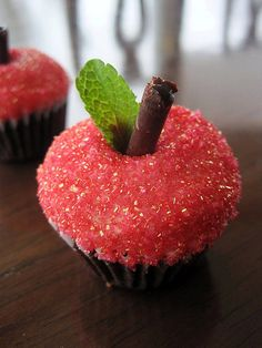 sweet apple cupcakes