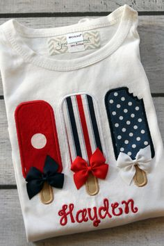 Fourth of July Popsicles with Bows. Baby Girl Shirt or Onesie. July Fourth, Summer. Fourth Of July Shirts, 4th Of July Outfits, Kids Outfits, Summer Outfits, Baby Girl Shirts, Shirts For Girls, Sewing Shirts, July Baby, Sewing For Beginners