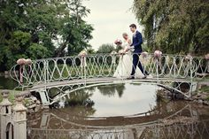 Lisa and Alex's magical real wedding - their ceremony took place on a tiny island in the middle of a lake!