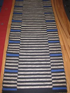Stadig matta i dubbelbingning, med bumullstrasor och sisalsnören - andra sidan