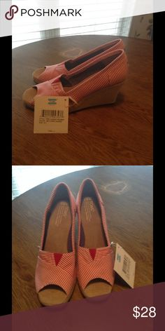 Red and white striped TOMS 8.5 New condition and super cute TOMS Shoes Wedges