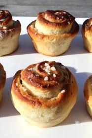 Heippa! Tässä olisi vielä yksi vegaaninen leivonnainen ennen, kuin siirryn taas valloittamaan uusia aloja leipomisessa. Oikeastaan näistä p...
