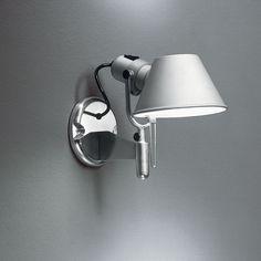 TOLOMEO SPOT Wall support in polished aluminium; diffuser in matt anodised aluminium.