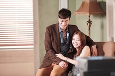 Gong Hyo Jin's always had a reputation for being warm and easy-going, so it was no surprise to see her smiling and having fun during interviews. It was So Ji Sub that was the big surprise. -Fangirlverdict