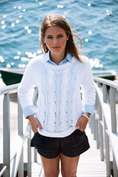 Nautical Outfits how to wear the nautical trend for fall glam radar Nautical Outfits. Here is Nautical Outfits for you. Nautical Outfits how to wear nautical outfits during winter nubry. Estilo Preppy Chic, Moda Preppy, Segel Outfit, Spring Summer Fashion, Spring Outfits, Mode Bcbg, Looks Style, My Style, Classic Style
