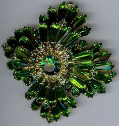 Gorgeous vintage green glass rhinestone layered dimensional pin