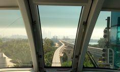 Monorrail elevado sin conductor para llegar al Hotel Atlantis
