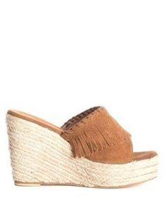 ☆ @iola_pujol @buylevard #sandals #sandalias #sandales #camel #esparto #espadrilles #must #summertime #shoes #zapatos #chaussures ☆#srtapepistumblr ☆#iolandapujolpinterest