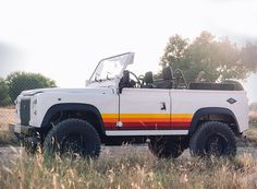 coolnvinage gives the land rover defender D90 retro vibes