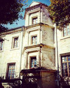 Latergram / Tour XVIIe s. #Narbonne #Renaissance #aude #audetourisme #jaimelaude #TourismeOccitanie #architecture #architectureporn #instarchitecture #LaTavernedelIsle