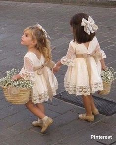 Frilly Frocks – My Favorite Dress Pattern Free, Komplette Outfits, Summer Outfits, Megan And Harry Wedding, Big Kids, Baby Girls, Tutu, Cute Flower Girl Dresses, Flower Girls