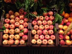 Freshly picked pomes in a market in Istanbul