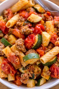 Rigatoni with Sausage, Tomatoes, and Zucchini - Baker by NatureYou can find Healthy dinner and more on our website.Rigatoni with Sausage, Tomatoes, and Zucchini - Baker by Nature Good Healthy Recipes, Easy Dinner Recipes, Healthy Snacks, Healthy Eating, Dinner Healthy, Health Recipes, Healthy Dinners For Two, Easy Recipes For Two, Healthy Quick Meals