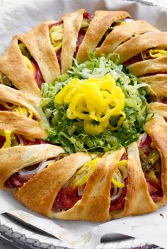 Crescent rolls, found in the refrigerator section of the grocery store, are ideal for quick meals and party planning and these 32 easy crescent roll recipes offer inspiration for what to make with them. Crescent Roll Ring Recipes, Crescent Roll Dough, Crescent Rolls, Cresent Roll Pizza, Recipes With Cresent Rolls, Pilsbury Crescent Recipes, Crescent Roll Appetizers, Crescent City, Appetizers For Party