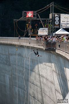 Jump from Verzasca Dam, Val Verzasca, Switzerland – 721 ft (220 m)