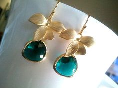 Flower with Emerald Green Earrings,Drop, Dangle, Glass Earrings, bridesmaid gifts,Wedding jewelry. $23.00, via Etsy.