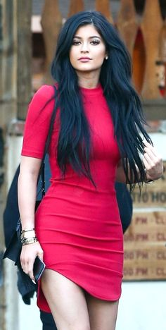 Kylie Jenner in hot red dress. The youngest of the Kardashian sisters, and one… Le Style Du Jenner, Kylie Jenner Style, Kendall Jenner Outfits, Kylie Jenner Black Hair, Moda Kylie Jenner, Estilo Kylie Jenner, Kylie Jenner Bikini, Celebridades Fashion, Classy Outfit