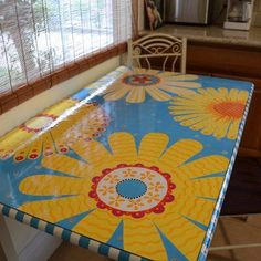 funflower ~ a funky kitchen table painted by r. waring-crane This would be great for my teardrop camper. Funky Painted Furniture, Painted Chairs, Painted Tables, Wooden Chairs, Kitchen Furniture, Wood Furniture, Funky Kitchen, Bbq Kitchen, Kitchen Ideas