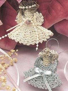 Seasonal Crochet - Winter Crochet Patterns - Country Angels...free pattern!