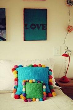 Lovely Pompom Décor Ideas For Your Interior | http://www.digsdigs.com/32-lovely-pompom-decor-ideas-for-your-interior/
