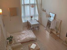 いいね!3,862件、コメント2件 ― make my room|ちいさな部屋作りさん(@make_my_room.me)のInstagramアカウント: 「♥⠀ ⠀ ⠀柔らかい雰囲気のお部屋。 薄めの色の木材は、お部屋の雰囲気を明るくしてくれますね。  ⠀ ⠀ @stay_eroom   …」