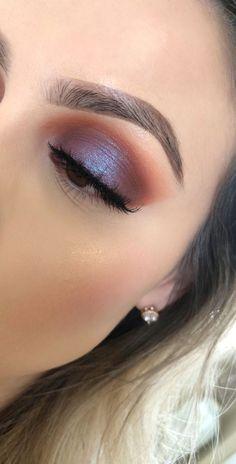 Idée Maquillage 2018 / 2019 : Desert dusk palette huda beauty - Makeup Tips Huda Beauty Makeup, Skin Makeup, Eyeshadow Makeup, Eyeliner, Makeup Brushes, Drugstore Makeup, Eyebrow Makeup, Makeup Remover, Pop Of Color Eyeshadow