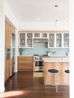 Blu Homes Sonoma Kitchen. Wood Shaker Cabinets With Stainless And Frosted  Glass.