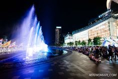 Bangkok is a great city for shopping with its many great shopping centers and markets. Here are the best places to go shopping in Bangkok! Thailand Shopping, Thailand Travel, Shopping Malls, Go Shopping, Great Places, Places To Go, Bangkok Travel Guide, Shopping Center, Marina Bay Sands