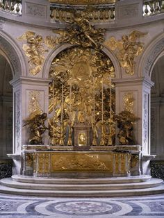 Stock Photo: Marble altar and great altarpiece in gilded bronze, Royal Chapel, Palace of Versailles (UNESCO World Heritage List, France. Minimalist Architecture, Beautiful Architecture, Art And Architecture, Organic Architecture, Palaces, Beautiful World, Beautiful Homes, Fontainebleau, Palace Of Versailles