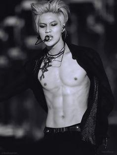 #taemin #shinee danger platinum blond hair, shirtless  This #billyidol styling is EVERYTHING. Rocker TaeMAN is EVERYTHING.