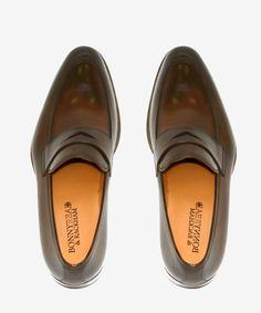 Zapato Cuero Marrón Oscuro. 107€ en Tienda 215€