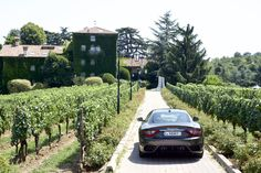 The verdant hills of Franciacorta, famous for its still and sparkling wines, are an enchanting place for a trip with the 2018 GranTurismo and GranCabrio. #TalesOfGranTurismo