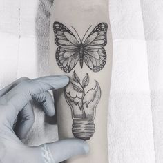 Geometric Art Butterfly Tattoo Designs Ideas For 2019 Dog Tattoos, Body Art Tattoos, Tatoos, Tattoo Ink, Piercing Tattoo, Tattoo Sleeve Designs, Sleeve Tattoos, Lamp Tattoo, Natur Tattoos