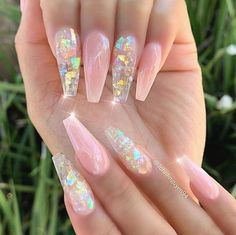 Coffin Acrylic Nails are very fashionable because coffin shaped nails are one of the most popular nail shapes. Although after many years of development, the position of coffin shape in nail art design remains unchanged. If you like coffin shaped na Bling Acrylic Nails, Acrylic Nails Coffin Short, Best Acrylic Nails, Pink Nails, Coffin Nails, Fancy Nails, Best Nails, Bright Summer Acrylic Nails, Fancy Nail Art