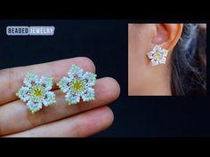 Diy Earrings Studs, Bead Earrings, Flower Earrings, Beaded Jewelry Patterns, Beading Patterns, Free Beading Tutorials, Handmade Beads, Beaded Flowers, Bead Crafts