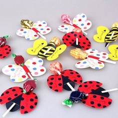 Lovely Party Bee Ladybug Butterfly Candy Lollipop Decoration Card Supply 50Pcs