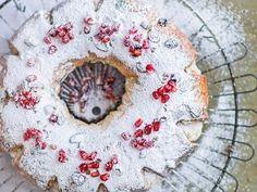 Vianočný veniec (zdroj: Isifa) Tree Skirts, Ale, Christmas Tree, Holiday Decor, Alternative, Teal Christmas Tree, Ale Beer, Xmas Trees, Christmas Trees