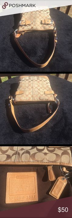 Coach Purse Coach Purse in good condition, very nice and clean Coach Bags