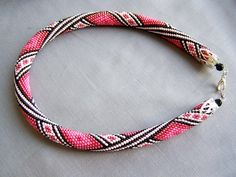Два этнично-романтичных жгута. | biser.info - всё о бисере и бисерном творчестве Bracelet Crochet, Crochet Beaded Necklace, Bead Loom Bracelets, Beaded Jewelry, Handmade Jewelry, Beaded Crochet, Bead Crochet Patterns, Bead Crochet Rope, Beading Patterns