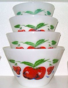 Set Vintage Fire King Anchor Hocking Apples Cherries Splash Proof Mixing Bowls