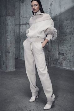 Fashion Week New York Pre-Fall 2018 look 8 from the Sally LaPointe collection womenswear Sport Fashion, Fashion Week, Teen Fashion, Fashion Trends, Fashion Design, Mode Chic, Mode Style, Toddler Boy Outfits, Kids Outfits