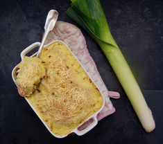 Parmentier de saumon aux poireaux Cooking, Ethnic Recipes, Food, Grated Cheese, Seasonal Recipe, Gratin, Baking Center, Kochen, Hoods