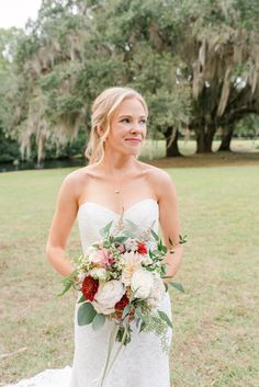 Spring Island SC Estate Micro Wedding with film photography by Meredith Ryncarz a destination wedding photographer based in South Georgia #southernwedding #savannahwedding Southern Bride, Southern Weddings, Indoor Wedding Receptions, Fall Wedding Centerpieces, Georgia Wedding, Fall Wedding Colors, Film Photography, Destination Wedding Photographer, Savannah
