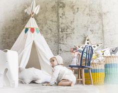#decoracioninfantil #kidsroom #kidsdecor #cuartodeniños #kids #niños #belandsoph #kidsbedroom #nordicstyle #estilonordico #stars #estrella #pink #sweet #cojinestrella #cojinesconforma #vestirlacama #ropadecama #muñeca #miniroom #mostaza #cajondejuguetes #juguetero #estrellaluminosa #playroom #cuartodejugar #cuartodejuegos #tipi #tipiindio #tepee #tienda #tiendadeindios #tiendadecampaña #indio #guirnaldadeplumas #cojinesparaniños #banderines #banderinesparaniños #indios #juegodeniños
