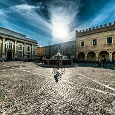 An important square of Pesaro: Piazza del Popolo Foto by Larsenio Places Around The World, Around The Worlds, The Beautiful Country, Italy Travel, Places To Visit, Europe, Pisa, Beauty, Photos